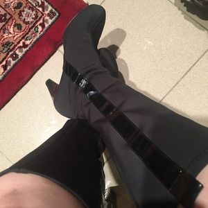Taryn Rose boots size 6